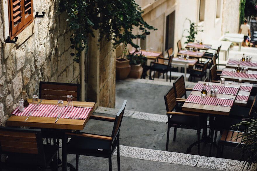 restaurant dining tables outside